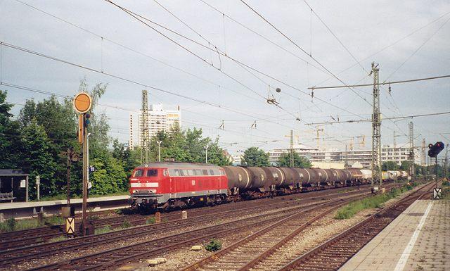 http://www.eisenbahn-im-bild2.de/Bilder/Voll/218_1/22175_225-805.jpg