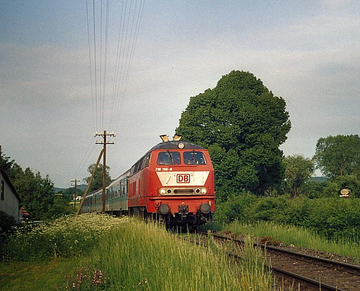 http://www.eisenbahn-im-bild2.de/Bilder/Voll/218_2/25497_218-156.jpg