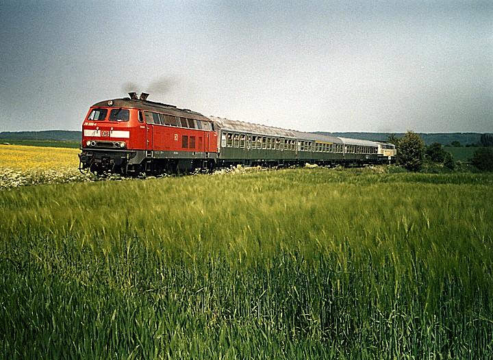 http://www.eisenbahn-im-bild2.de/Bilder/Voll/218_2/25500_218-200.jpg