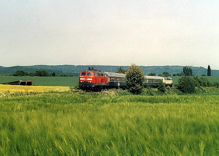 http://www.eisenbahn-im-bild2.de/Bilder/Voll/218_2/25567_218-200-225-027.jpg
