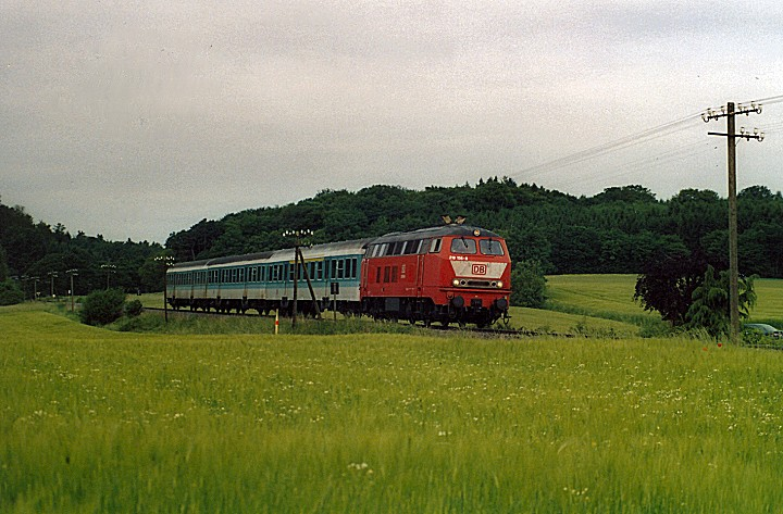 http://www.eisenbahn-im-bild2.de/Bilder/Voll/218_2/25569_218-156.jpg