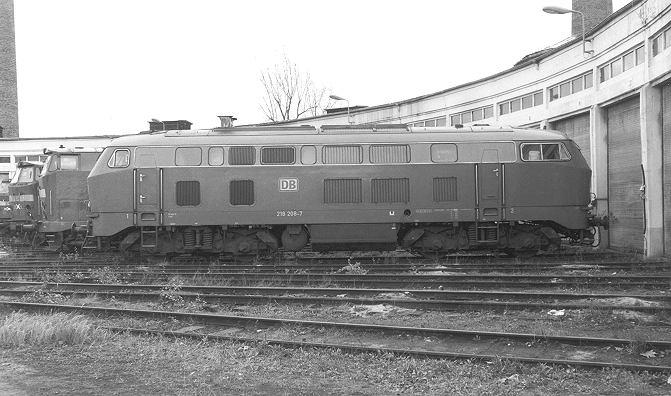 http://www.eisenbahn-im-bild2.de/Bilder/Voll/218_3/20531_218-208.jpg