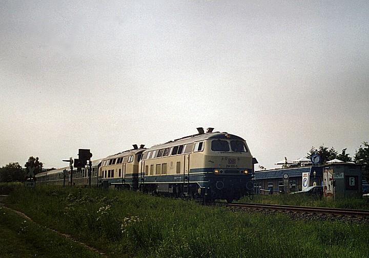 http://www.eisenbahn-im-bild2.de/Bilder/Voll/218_4/25494_218-320-357.jpg
