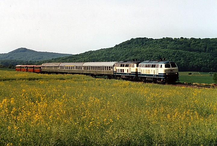 http://www.eisenbahn-im-bild2.de/Bilder/Voll/218_4/25601_218-320-357.jpg