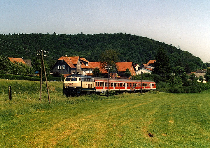 http://www.eisenbahn-im-bild2.de/Bilder/Voll/218_4/25638_218-357.jpg