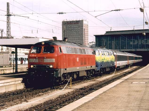 http://www.eisenbahn-im-bild2.de/Bilder/Voll/218_5/16556_218-419-218-418.jpg