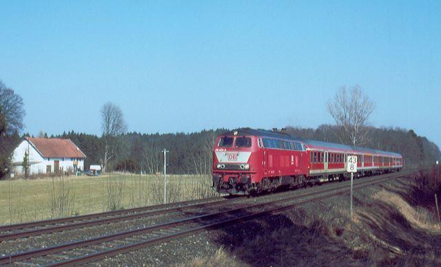 http://www.eisenbahn-im-bild2.de/Bilder/Voll/218_5/21596_218-469.jpg
