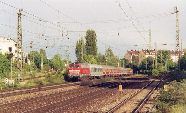 http://www.eisenbahn-im-bild2.de/Bilder/Voll/218_5/21991_218-445.jpg