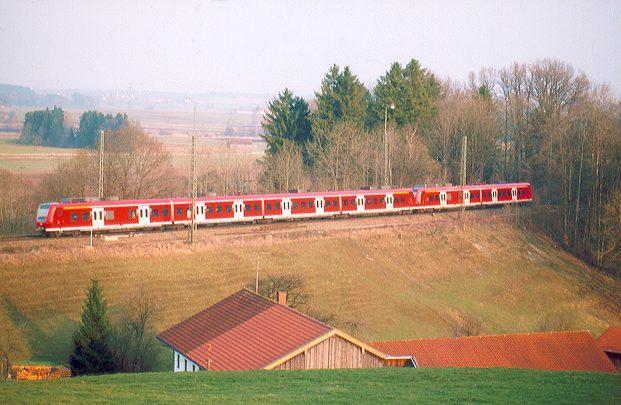 Regionalbahn bei Aßling