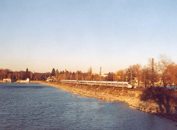 http://www.eisenbahn-im-bild2.de/Bilder/Voll/605_1/23505_605-004-018.jpg