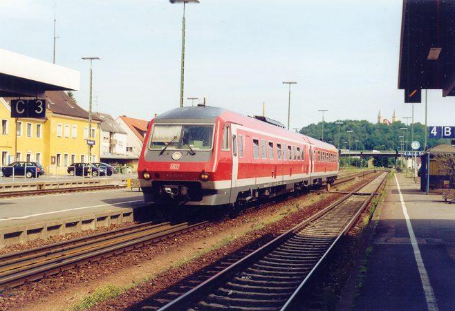 http://www.eisenbahn-im-bild2.de/Bilder/Voll/610_1/22467_610-003.jpg