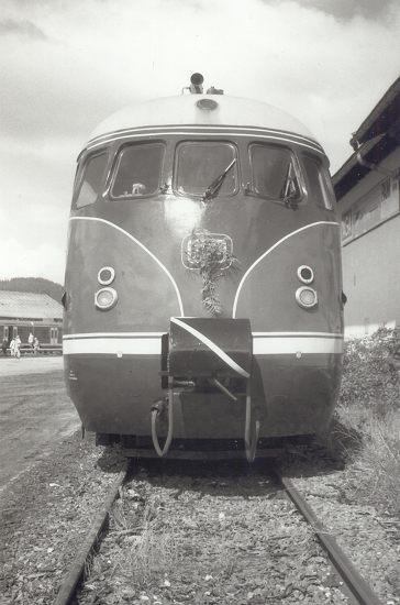 http://www.eisenbahn-im-bild2.de/Bilder/Voll/612_2/23057_612-507.jpg