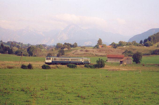 http://www.eisenbahn-im-bild2.de/Bilder/Voll/628_1/23095_628-002-627-001.jpg