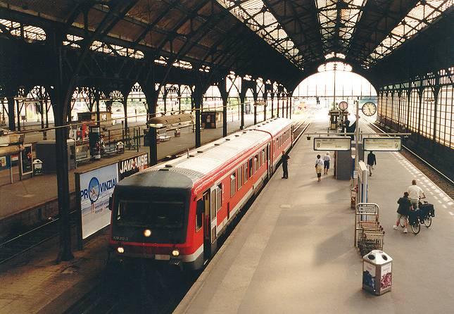 http://www.eisenbahn-im-bild2.de/Bilder/Voll/628_3/18958_628-212.jpg