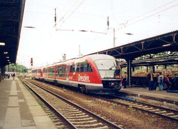 http://www.eisenbahn-im-bild2.de/Bilder/Voll/642_1/22099_642-037.jpg