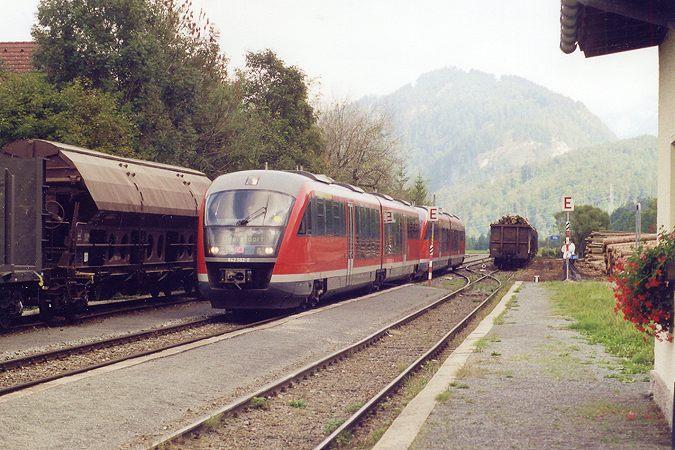 http://www.eisenbahn-im-bild2.de/Bilder/Voll/642_1/23092_642-592.jpg