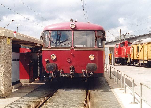 http://www.eisenbahn-im-bild2.de/Bilder/Voll/798_1/18424-798-623.jpg